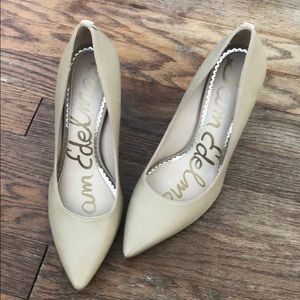 Sam Edelman nude pointed toe pumps